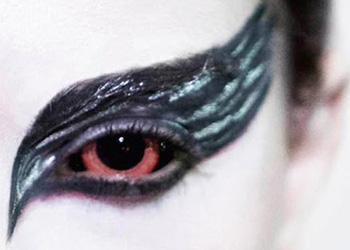 Black Swan Contact Lenses